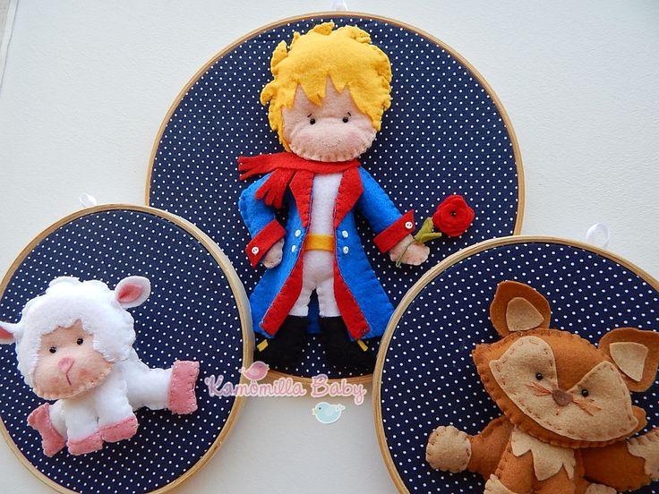 Quadro Maternidade Bastidor Pequeno Príncipe. <br> <br>Confeccionado em tecido e feltro, sendo o jogo com 3 bastidores , um com 22 cm de diâmetro e os outros dois com 16 cm de diâmetro.