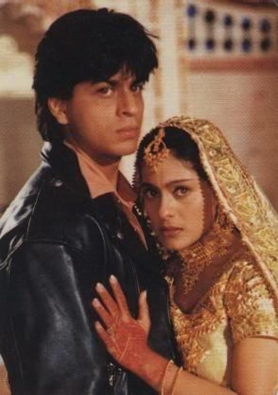 Kajol and Shahrukh Khan in the penultimate scene of Dilwale Dulhania Le Jayenge. Gorgeous Jodi.