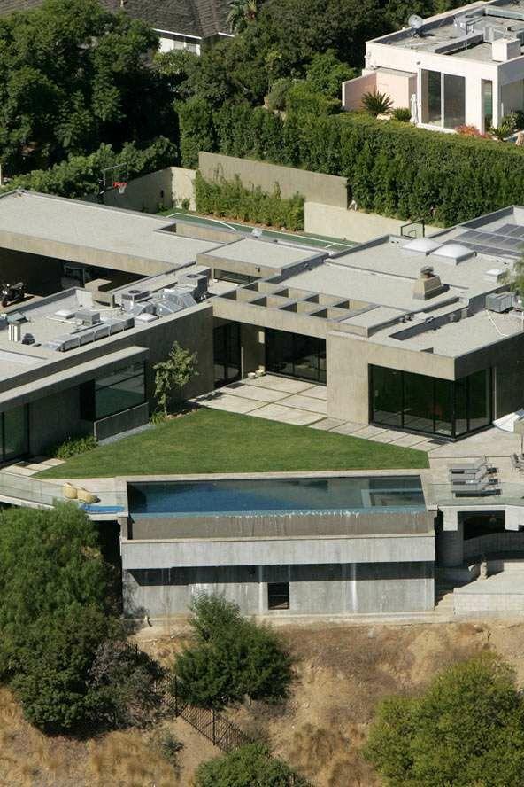Casa de Leonardo DiCaprio. Unha casa de so un piso ten un área de 650 metros cuadrados e un estilo rústico pero sen perder a elegancia que caracteriza a esta estrela de Hollywood.