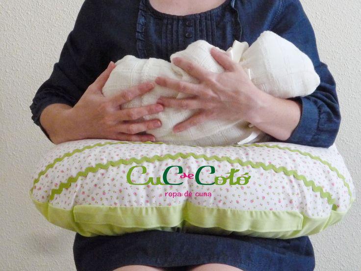 El cojín de lactancia facilita la toma a ambos #cucdecotó