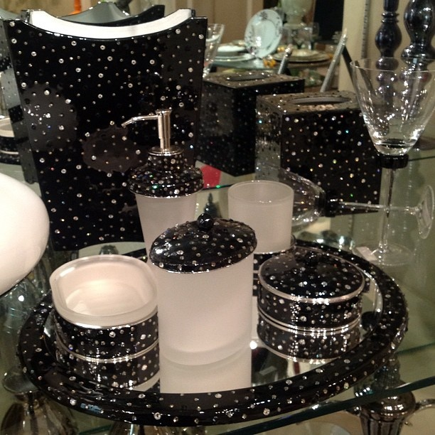 Merveilleux Bathroom Set   @Almanahil Deco  #webstagram