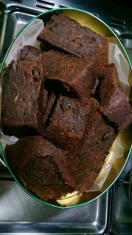 Black boiled fruit cake