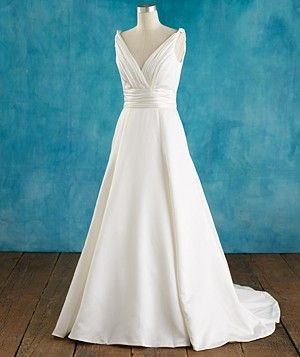 5 Gorgeous Full Figured Wedding Gowns Real Simple