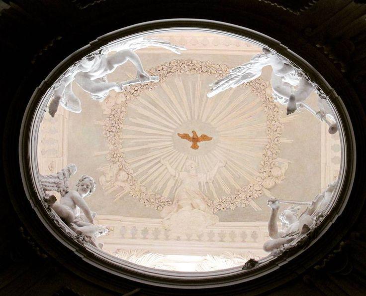 Roma Chiesa di San Carlo ai Catinari Cappella di Santa Cecilia  #roma#romaeterna#vivoartesacra#going_into_details#fa_sacral#arkitectureart#arkitecture_details#loves_details#world_bestangels#world_captures#igersroma#ig_roma#italy_photolovers#total_italy#visititalia#igersitalia#ig_italia#church_masters#tv_churchandgraves#insolitaitalia#angels#angel#angelic#fiftyshades_of_history#volgoroma#volgolazio by le_visioni_di_gabriel