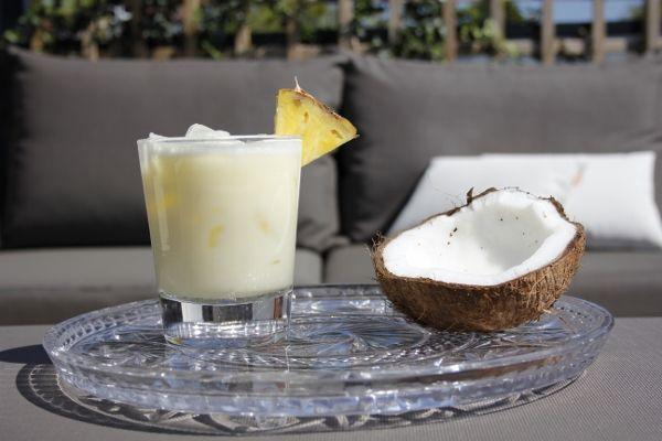 Batida de Coco: Cachaca (1 part) Kokosmelk (1 part) Special add: fresh pineapple or fresh mango 1 part = 30 ml