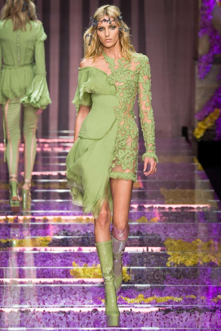 brand outlet online usa Atelier Versace Fall 2015 Couture Collection Photos   Vogue