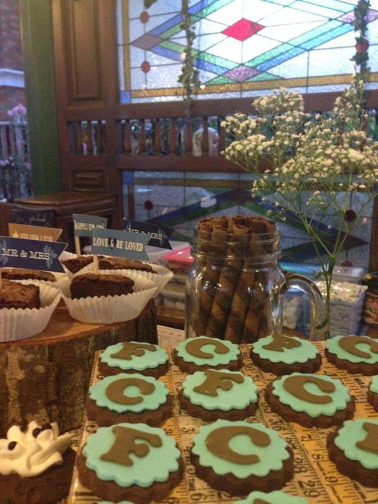 cookies#rustic#wedding#sweets#dessert#table#raetable