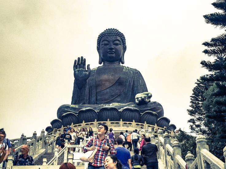 🇭🇰 Hong Kong, China.  Tian Tan Buddha is an amazing sight made up of 160 bronze pieces at the Lantau island.  The statue is sited near Po Lin Monastery and symbolises the harmonious relationship between man and nature, people and faith.  Be Jetting & Buy Experiences! www.YouLikeToTravel.com