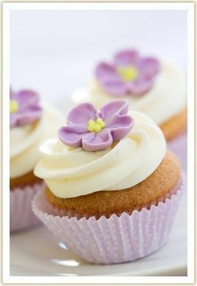 So pretty!Purple Cupcakes, Purpleyellow Cupcakes, Cupcakes Ideas, Cupcakes Decor, Cakes Cupcakes, Cake Ideas, Cupcake Wedding Cakes, Flower Cupcakes, Cupcakes Rosa-Choqu