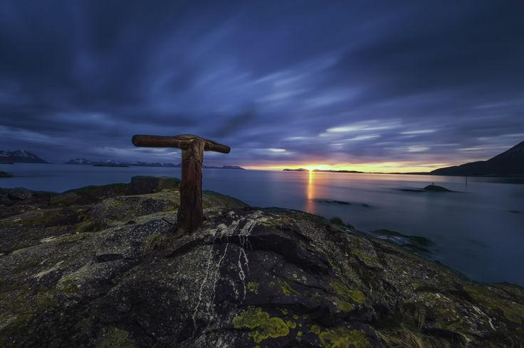 The rusty pole by Robert Alexandersen on 500px