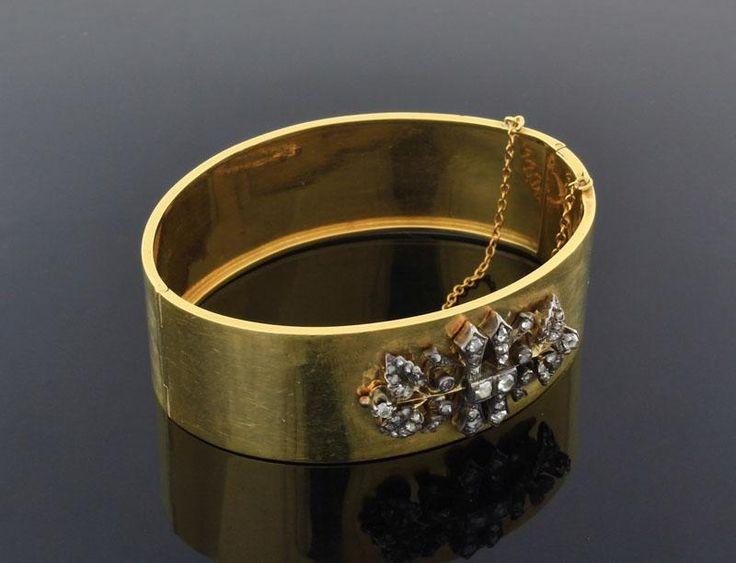 Lote 6177 - ESCRAVA DE DIAMANTES EM OURO 19.2 KT SÉC XX - Cravejada com Diamantes em talhe rosa.  Retro