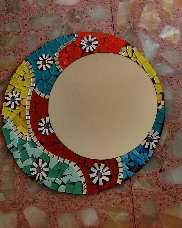 M s de 25 ideas incre bles sobre mosaiquismo espejos en for Mosaicos para espejos