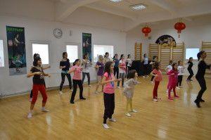 Beneficiile dansului in dezvoltarea copilului - Stop&Dance