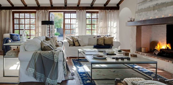 Charming 4 bedroom frontline golf villa in Guadalmina Alta - #interiordesign #rustic #fireplace #Guadalmina #golf