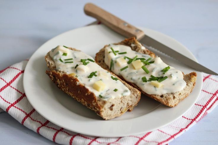 Sandwich met zelfgemaakte kaassalade - Lekker en Simpel