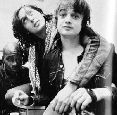 Peter Doherty and Carl Barât.