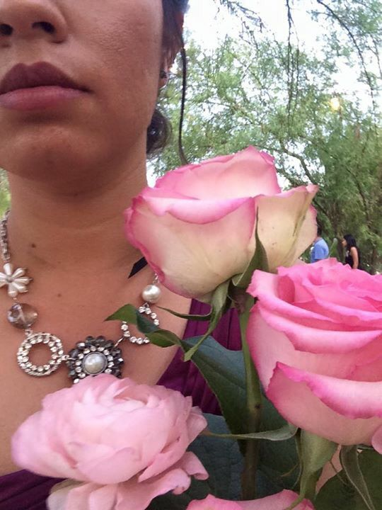 Bridesmaid's necklace and bouquet
