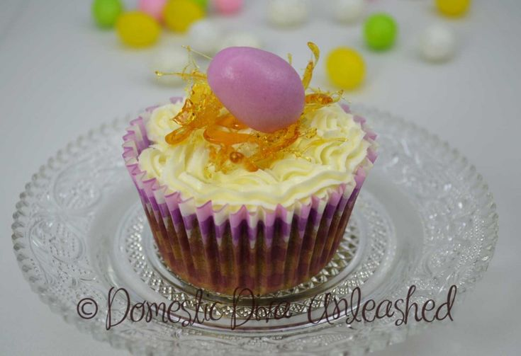 Domestic Diva:-Easter Cup Cake Purple Marshmallow Fondant Egg