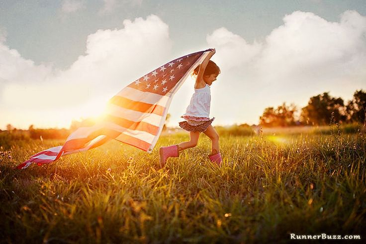 4th of July Running. Fourth of July Running Inspiration. Cute. Flag Runner. #July4th #Runner