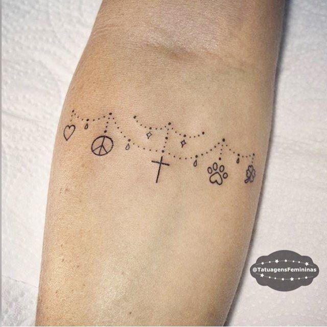 """8,021 curtidas, 290 comentários - Tatuagens • Tattoos ➴ 1,7m (@tatuagensfemininas) no Instagram: """"Mini símbolos / Symbols • Tattoo Artist:  Tirzasetta . ℐnspiração 〰 ℐnspiration . . #tattoo…"""""""