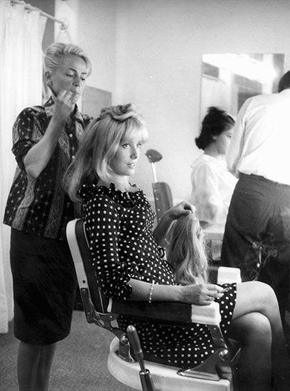 Dal parrucchiere a Parigi negli Studios di Boulogne Billancourt