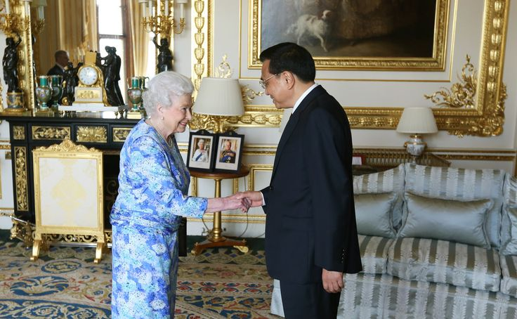 Queen Elizabeth II receives Chinese premier Li Keqiang at Windsor Castle, during their visit to the UK on June 17, 2014