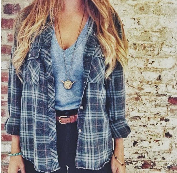 Vintage Flannel for a 90's grunge look♡ Follow me for more pins like this at: Iris Jr