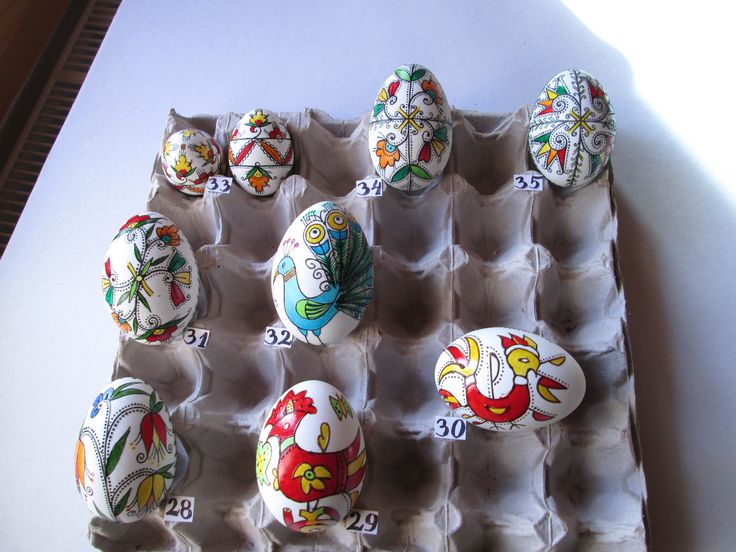 Bulgarian Easter eggs from Ihtiman and Etropole - the images of roosters