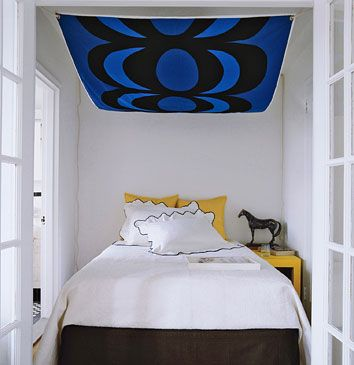 gonna make a canopy like this, but with another piece hanging down at the foot of the bed, for my new apt.