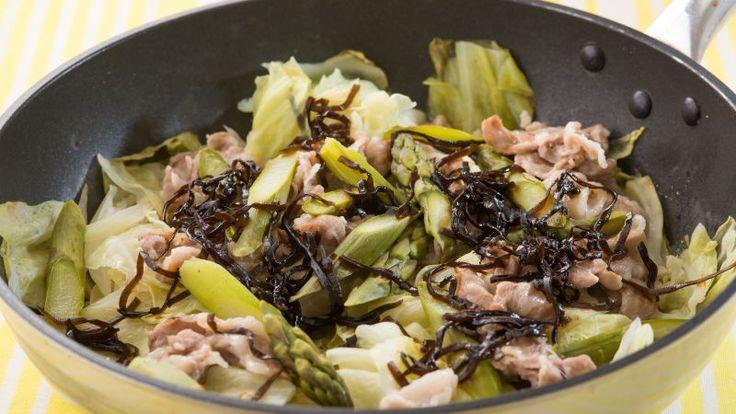 豚肉とキャベツ、アスパラの簡単蒸し