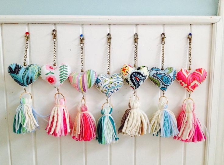 89 best llaveros images on pinterest key chain tassels - Cortinas colgantes ...