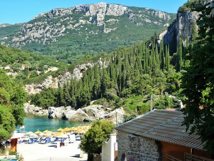 Ne-am cumpărat plajă! Și o mare de cărți poștale |  #Corfu #Island #beaches #postcard #view #liapades #trip #europe #CrisJourneys #TheRoadToSummer
