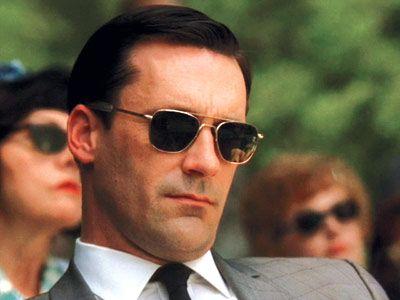 Ray Ban Caravan sunglasses on Don Draper <3