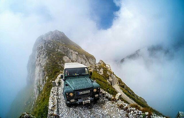 How is this for a spectacular road. By @markushannich #defender110csw #landrover #landroverdefender #landroverphotoalbum @landrover @landrover_uk