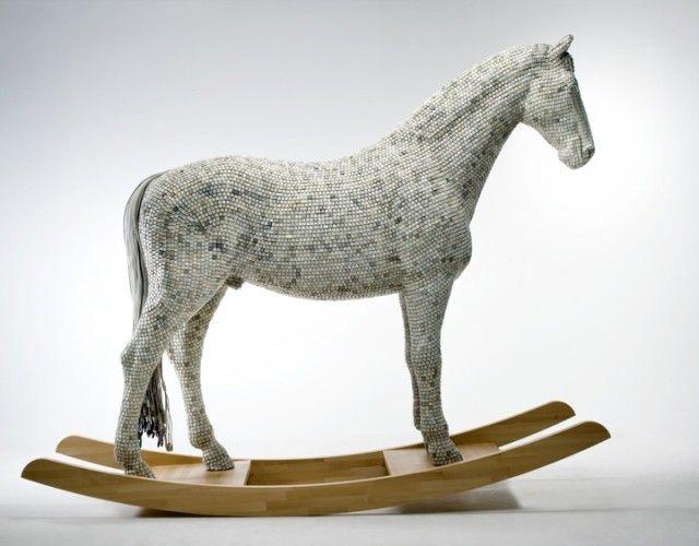 Recycled Keyboard Animal Art via FUBIZ  http://www.fubiz.net/2012/10/05/recycled-keyboard-animal-art/