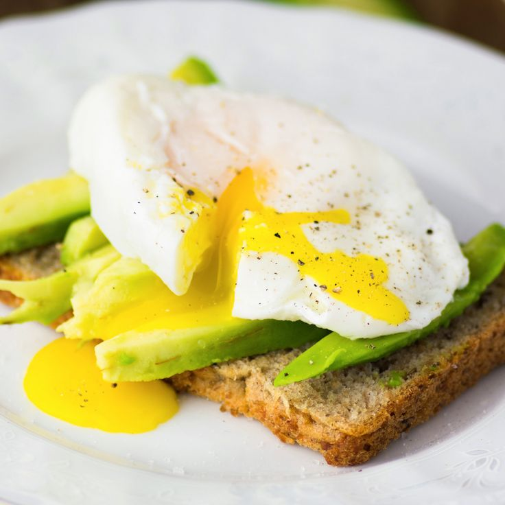 Eggs Vitamin B12: .6 mcg in one large hard-boiled egg (10% DV)  Other body benefits: Eggs are a great source of protein and vitamin D, which is important for helping your body absorb calcium and maintain strong bones.