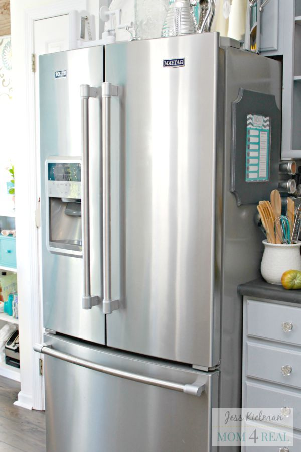 It's so simple to clean stainless steel and make it smudge and fingerprint free!