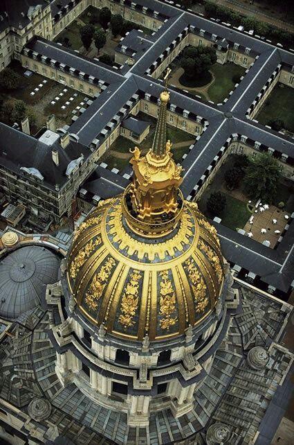 Les Invalides abritent Le musée de l'armée Paris 7e
