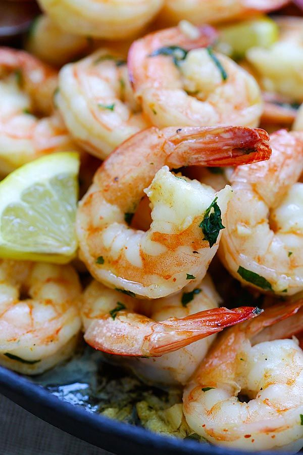 Shrimp Scampi - the BEST shrimp scampi recipe you'll find online. Crazy delicious skillet garlic butter shrimp, takes 15 mins, so easy | rasamalaysia.com