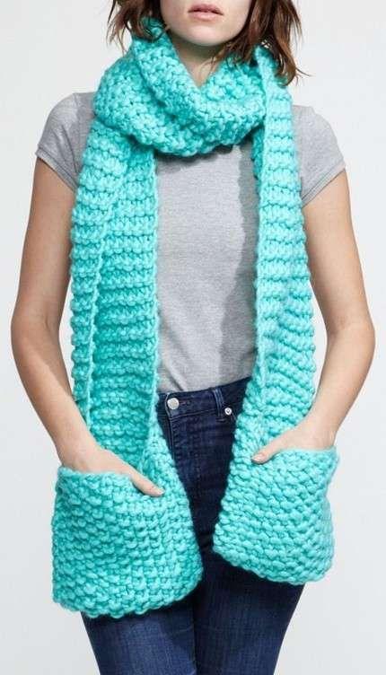 Bufandas de crochet: Fotos de diseños - BUfanda de crochet larga en color celeste