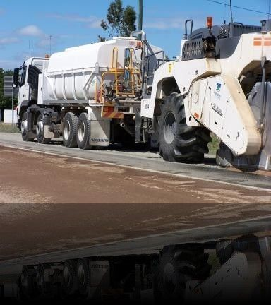 Felco Manufacturing - Fully #hydraulic operation #tanker unit on road reclaimer for Banana Shire Council. http://goo.gl/15Pbn1