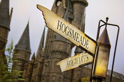Hogsmeade & Hogwarts. Hell yeah.
