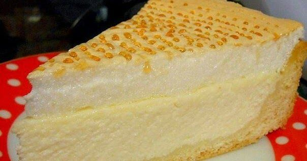 """Необычный вкусный торт """"Слезы ангела"""". При его полном остывании на поверхности образуются желтенькие капельки-бусинки. За это простой пирог получил красивое название """"Слезы ангела""""."""