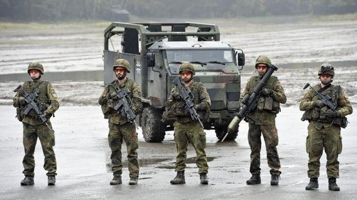 """Die Bundeswehr soll """"mehr Verantwortung"""" übernehmen. Der Militärhaushalt soll steigen. Der Bundeswehr fehlt aber das Personal, um die Forderungen der Politik in die Tat umzusetzen. Doch Rettung naht: Die Bundeswehr soll zum Modellarbeitgeber gemacht werden.   https://www.youtube.com/watch?v=mGGKJgZa8po https://www.reporter-ohne-grenzen.de/petition-freewordsturkey/ http://prntscr.com/d18xxm https://www.rt.com/news/364803-gulen-cumhuriyet-coup-crackdown…"""