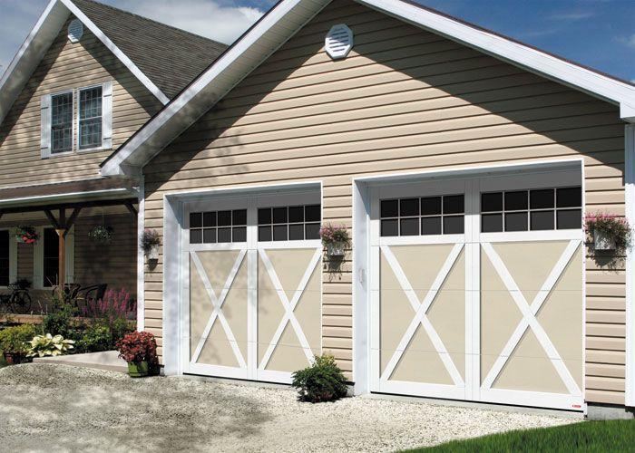18 best country farmhouse style tendance champ tre for Farm style garage doors