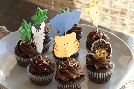 http://onecharmingparty.com/wordpress/wp-content/uploads/2010/06/diego-jungle-cupcakes.jpg