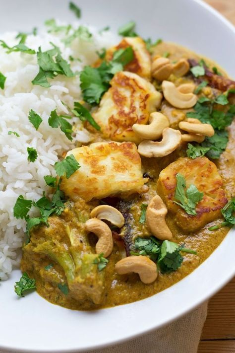 Halloumi and Cashew Nut curry, Weekend Cooking, s/s