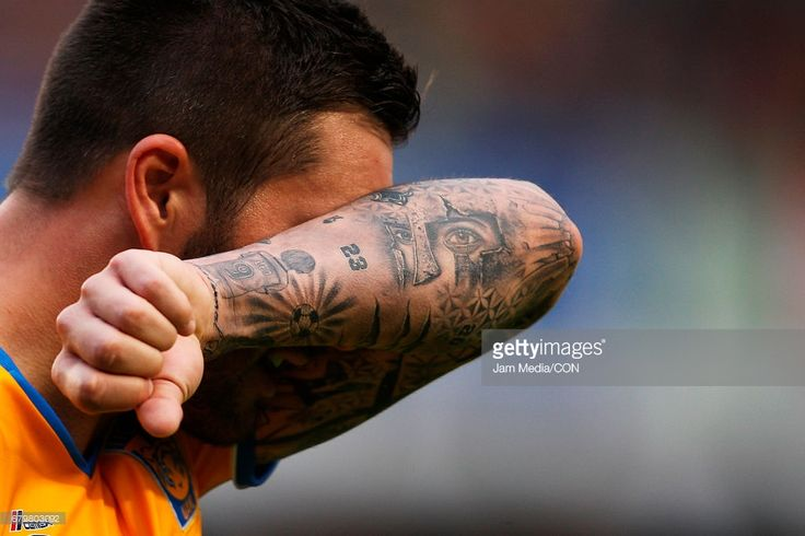 Andre-pierre Gignac of Tigres celebrates a scored goal during a match between Queretaro against Tigres as part of the Clausura Tournament 2017 league Bancomer MX at Corregidora Stadium on May 06, 2017 in Queretaro, Mexico.