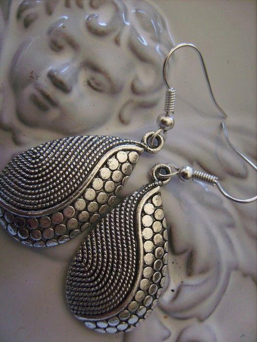 silver tone teardrop earring patterned gorgeous earrings - by createddesignsbyrina on madeit