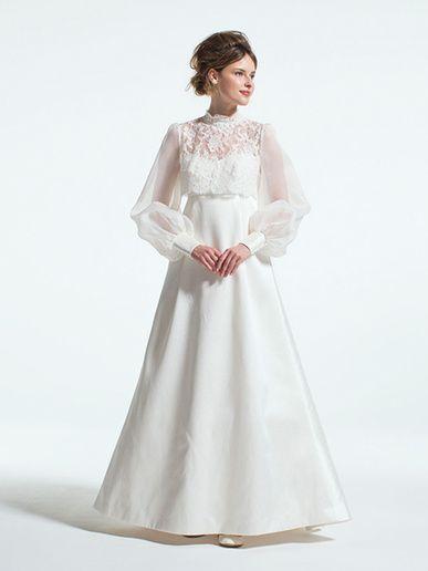 ギンザ クチュール ナオコ(GINZA COUTURE NAOCO) 銀座本店 レースのボレロと、シンプルなベアトップのAラインドレスを重ねた2WAY ドレス。